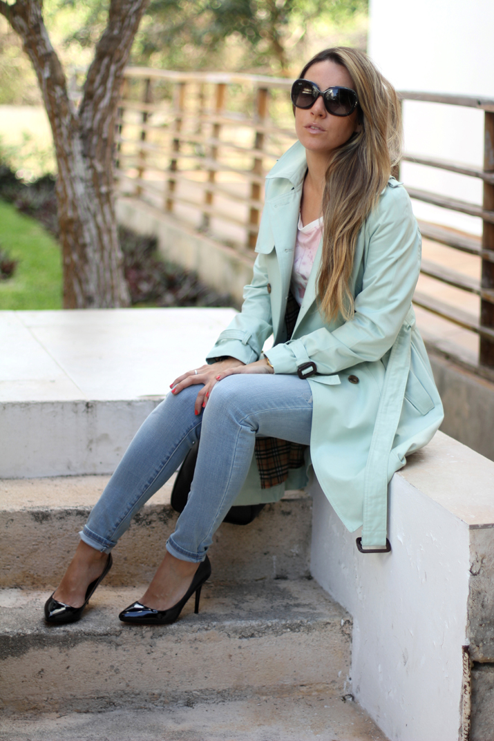 Mint trench blog Mes Voyages à Paris, Mónica Sors, spring trends 2013