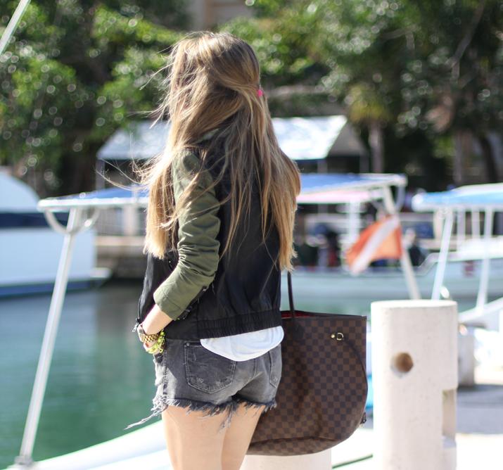 Leather jacket, fashion blogger, Mes Voyages à Paris, Mónica Sors