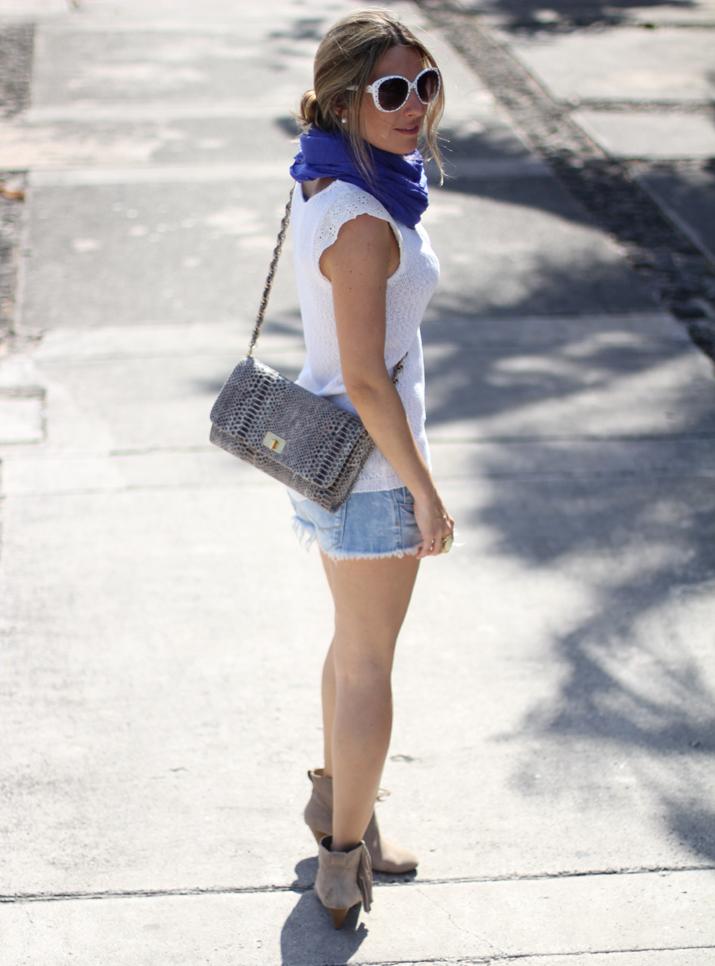 White sunglasses (4)