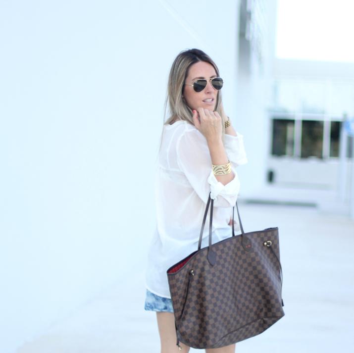 Camisa blanca y shorts Mesvoyagesaparis blog (3)