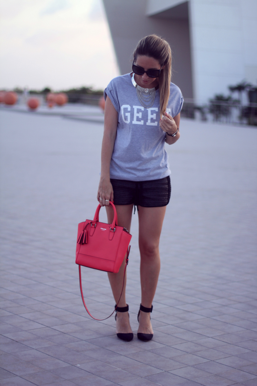 Geek tee fashion blogger