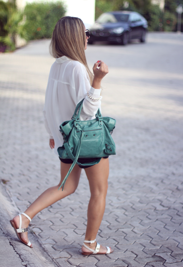 Look with Balenciaga bag