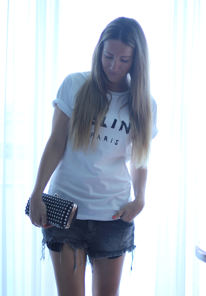 Celine logo tee by Mes Voyages à Paris Fashion blog, blogger, fashionblogger, Mónica Sors, Fashion Salade