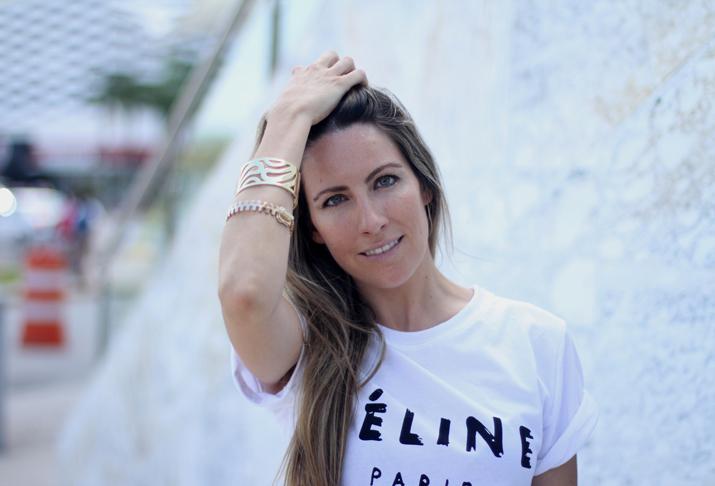 look con camiseta de Celine (1)