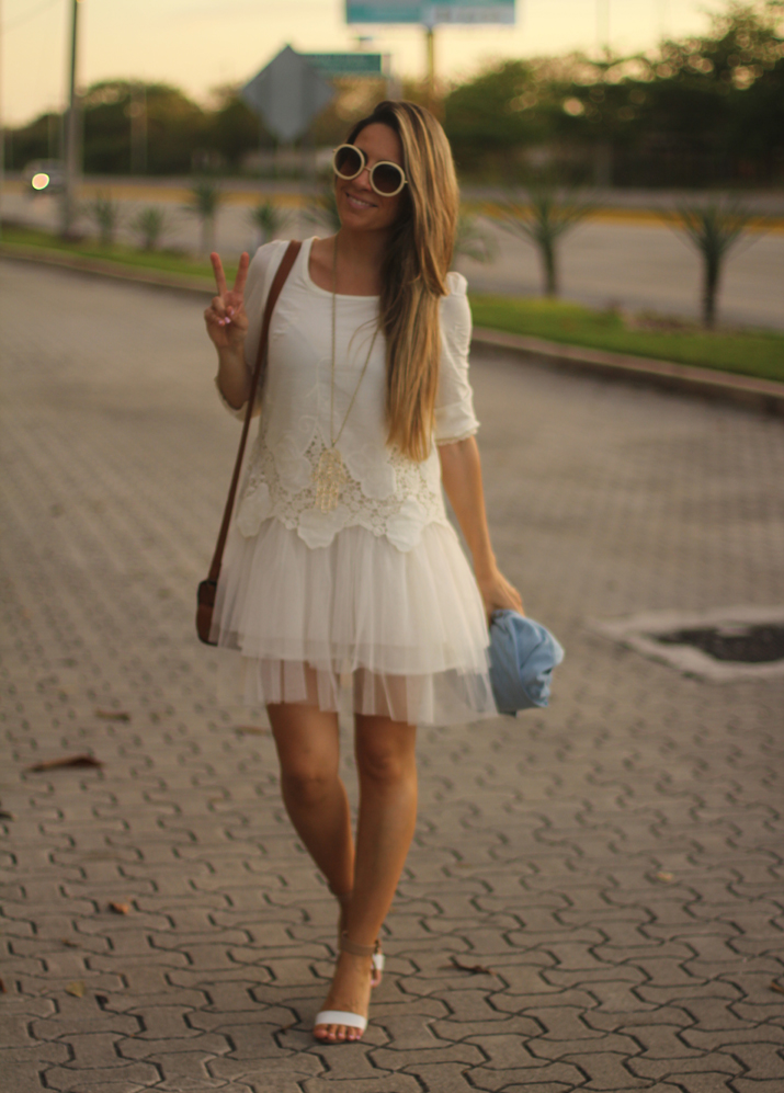 white boho dress Mónica Sors Mes Voyages à Paris Fashion blog, México (12)