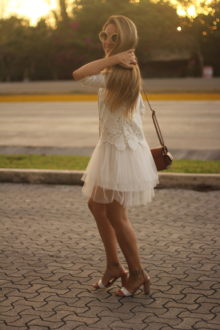 white boho dress Mónica Sors Mes Voyages à Paris Fashion blog, México (17)