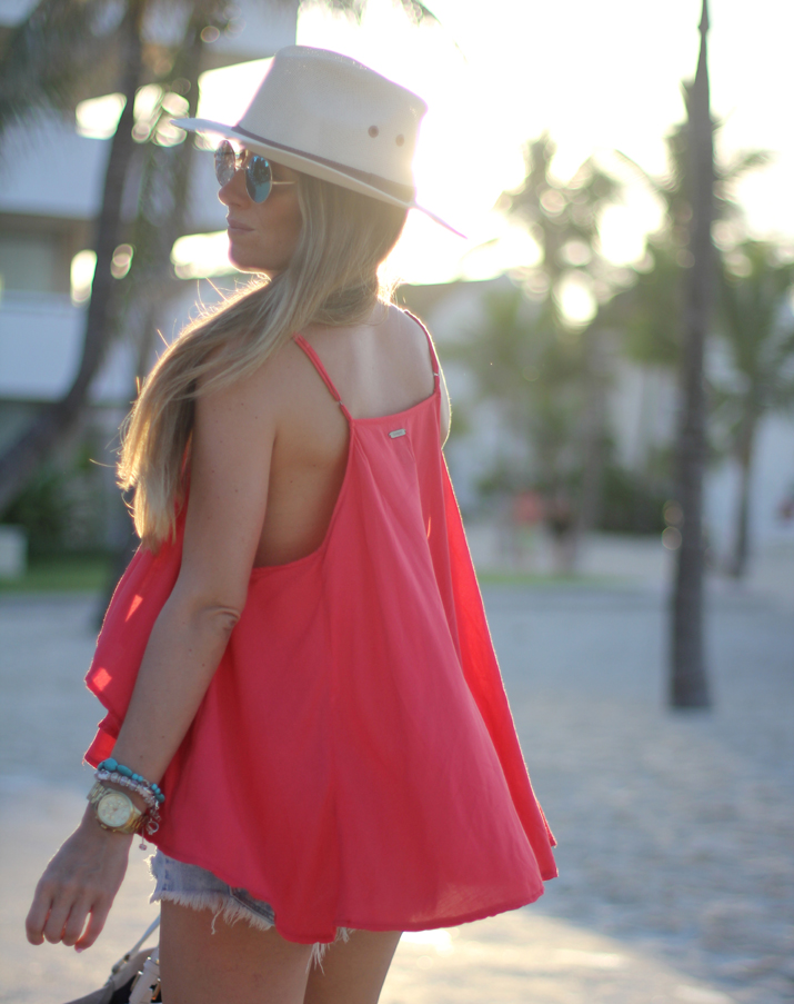 Revolve Clothing top Mónica Sors Fashiolista Secret Summer Blogger (3)