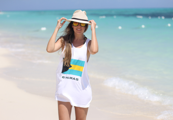 Mónica Sors Bahamas flag t-shirt