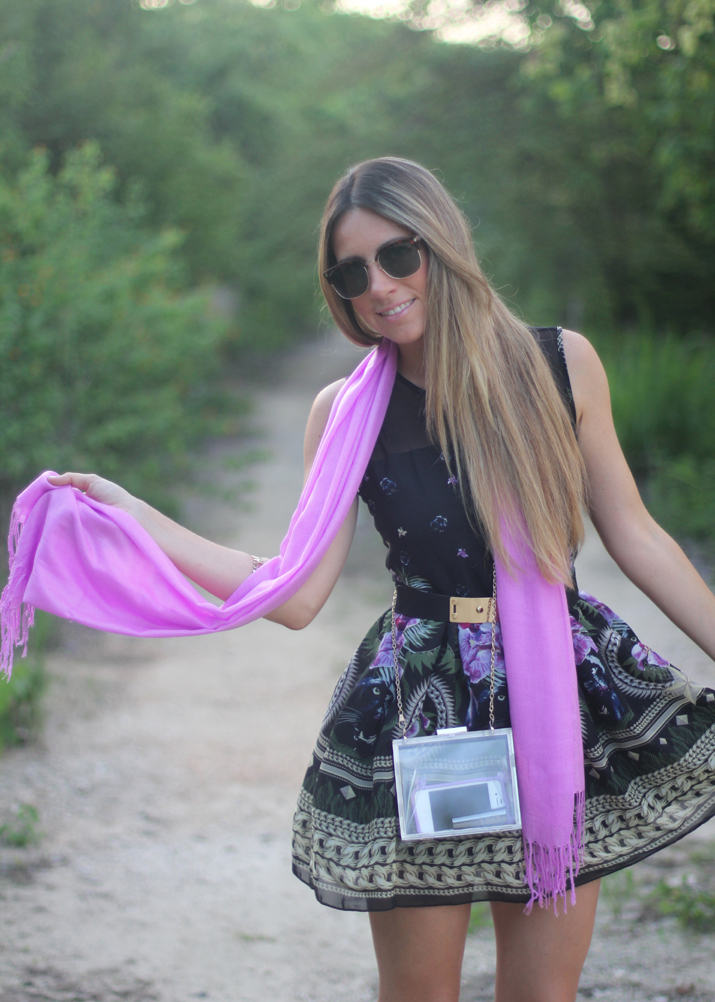 Romantic look fashion blogger