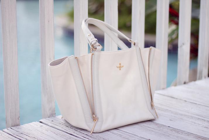 white bag Pour La Victoire
