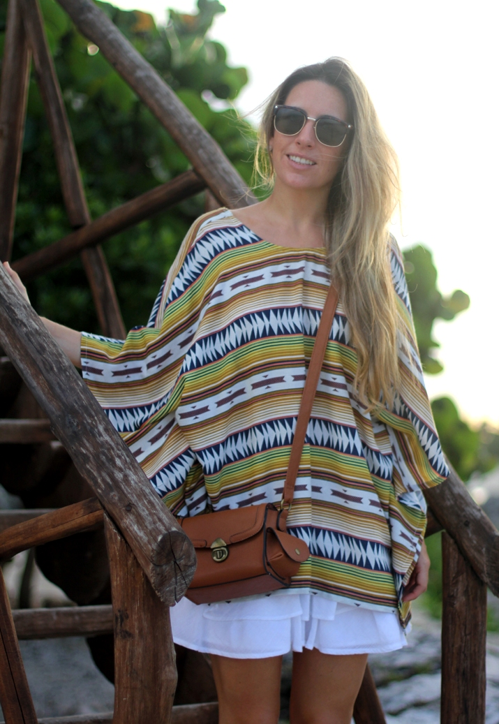 Boho look, open back top, tribal print, fashion blogger, Mónica Sors, Mes Voyages à Paris, Mexico, Riviera Maya, look