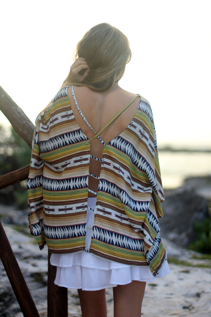 Open back top with tribal print by blogger Mónica Sors (3)