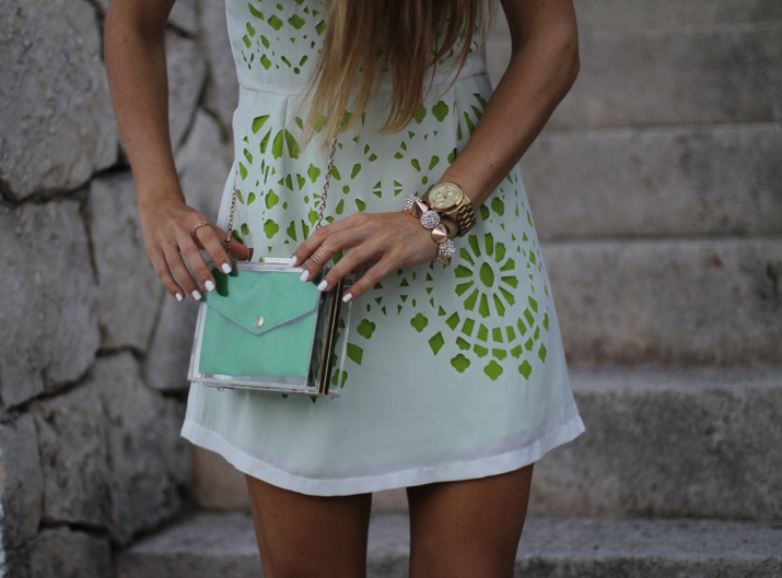 transparent clutch by fashion blogger Mónica Sors